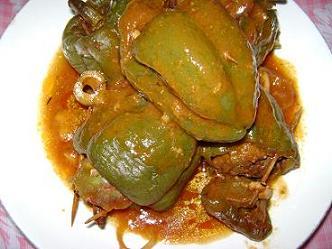 Ajíes rellenos con carne de res