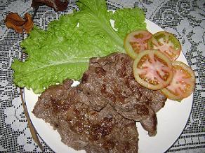 Bistec de cerdo en salsa de chocolate